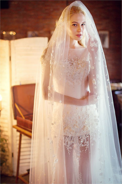 boat neck sequins wedding dress with long veil